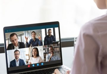 Une réunion de travail virtuelle