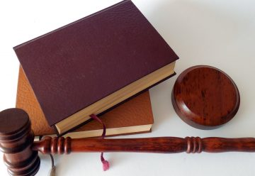 Accident de la route : faites-vous accompagner par un avocat spécialisé